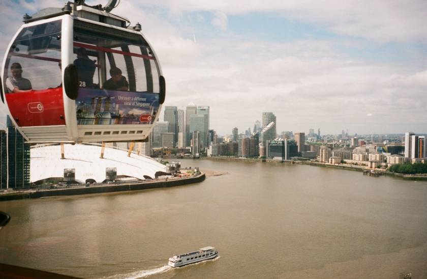 Emirates cable car over London